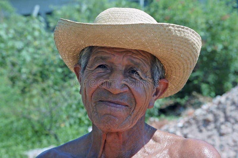 Портрет старшего Paraguayan с соломенной шляпой стоковое фото rf