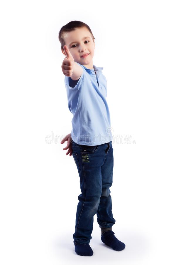 Портрет счастливого радостного красивого мальчика стоковые изображения rf