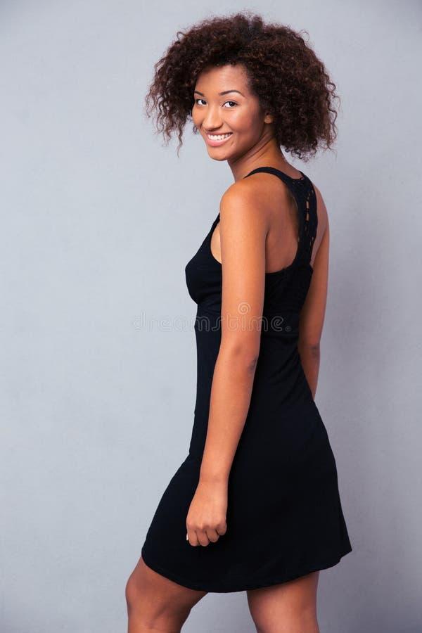 Портрет счастливой африканской девушки стоковые изображения rf