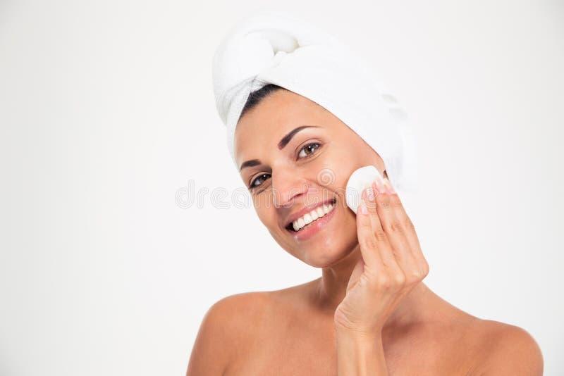 Портрет счастливой женщины с wadded диском стоковое изображение rf