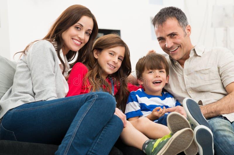 Портрет счастливой семьи стоковое фото rf