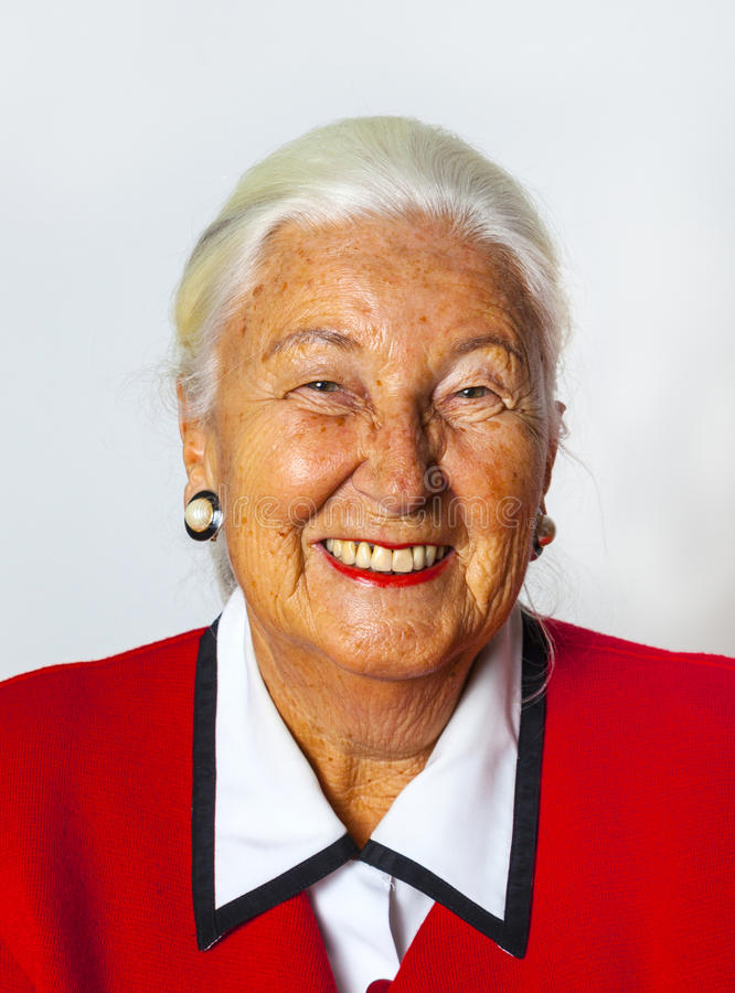Download Портрет ся привлекательной старшей женщины Стоковое Фото - изображение насчитывающей счастливо, пожило: 40578998