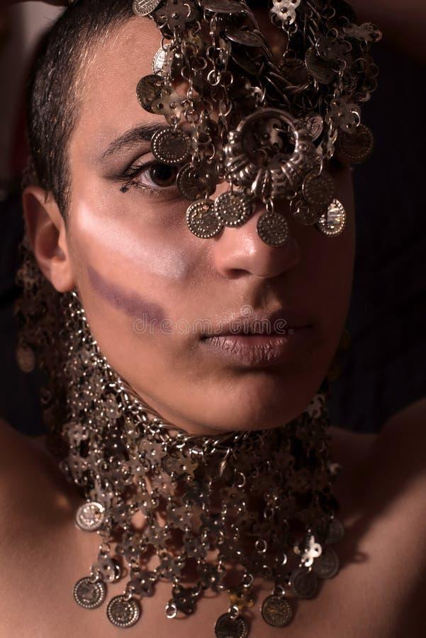 Портрет с восточными украшениями стоковые фото