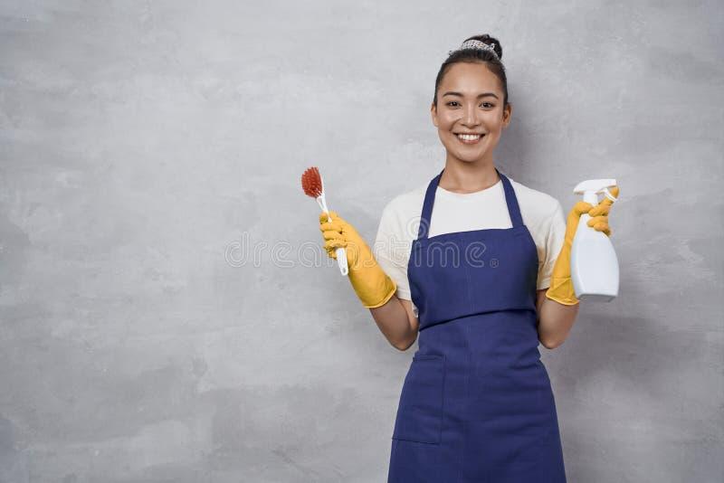 Работа уборщицей для молодой девушки веб девушка модель taani записи