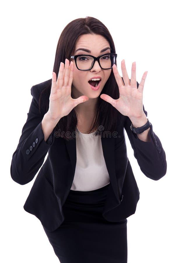 Портрет усиленное молодое кричащего бизнес-леди изолированного дальше стоковые изображения