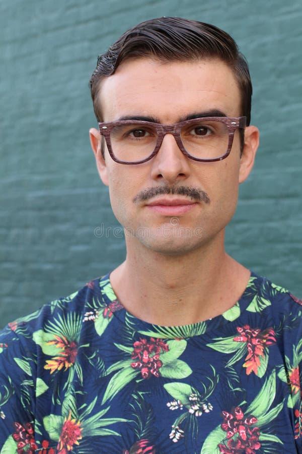 Портрет ультрамодного человека с усиком стоковые фотографии rf