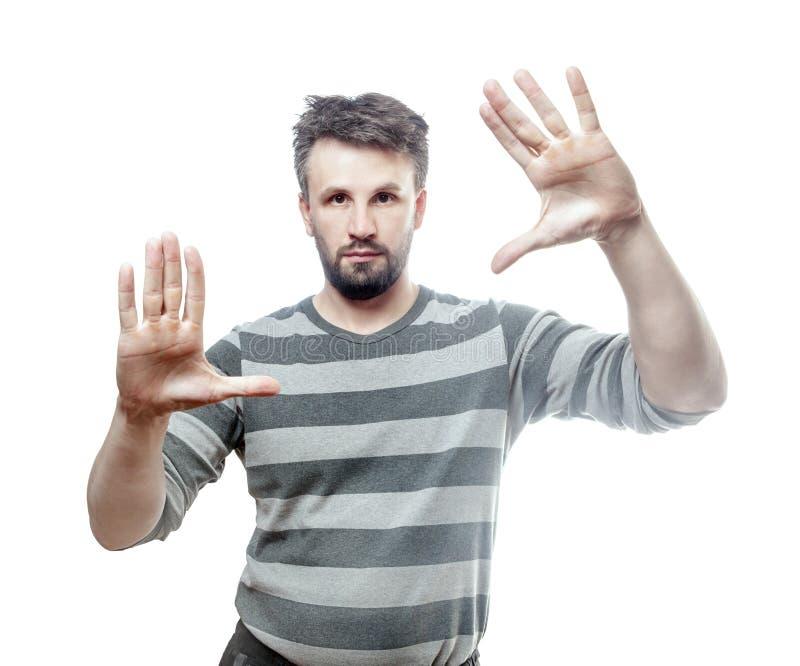 Портрет фото молодого европейского человека изолированного на белой предпосылке с закреплять PA стоковое изображение