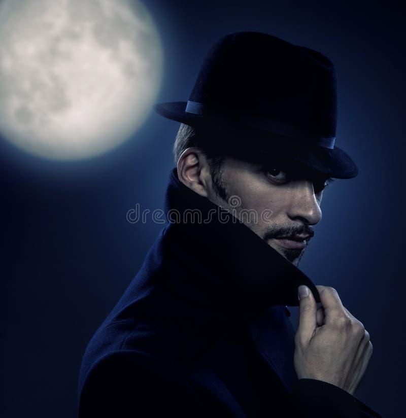 портрет человека загадочный ретро стоковое фото rf