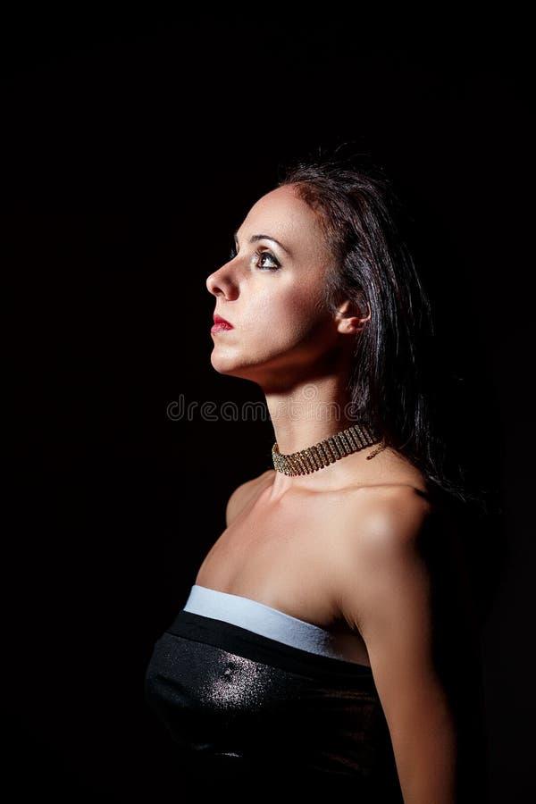 Портрет черной с волосами женщины в фаре стоковая фотография rf