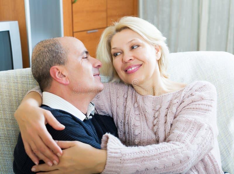 Портрет любить старшие супругов стоковые изображения rf