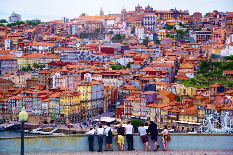 Порту, Португалия, Европа: 25-ое июня 2018 - ландшафт города, солнечный летний день стоковые изображения