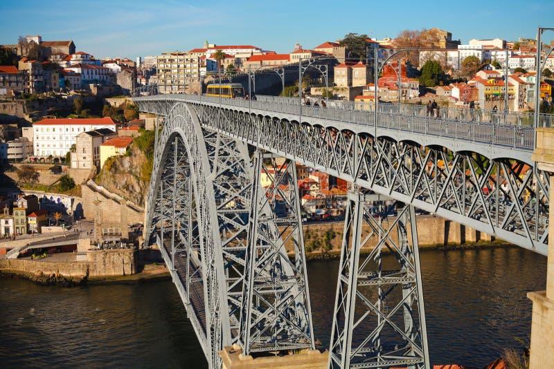 Download Порту Португалия стоковое фото. изображение насчитывающей строя - 33732866