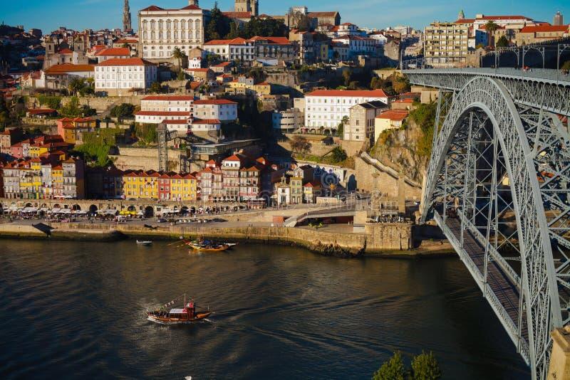 Download Порту Португалия стоковое изображение. изображение насчитывающей гребли - 33732947