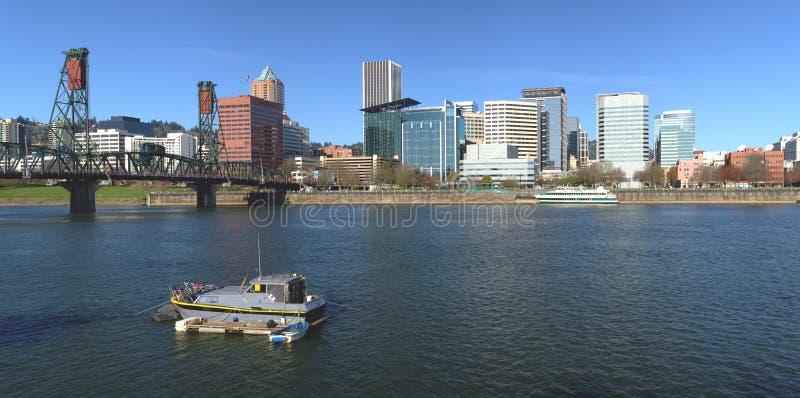 Портленд ИЛИ. Панорама и река горизонта. стоковые фото