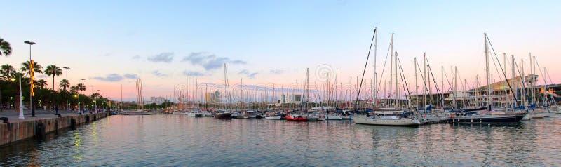 Порт Vell и Rambla Del Mar Марины, Барселона стоковые фотографии rf