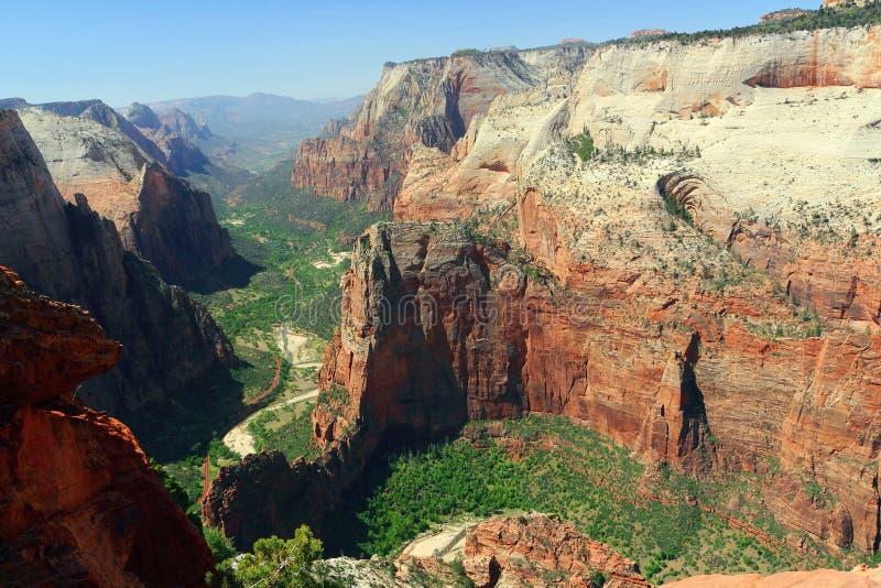 Посадка ангелов и каньон Сион от места наблюдения, национального парка Сион, Юты стоковая фотография rf
