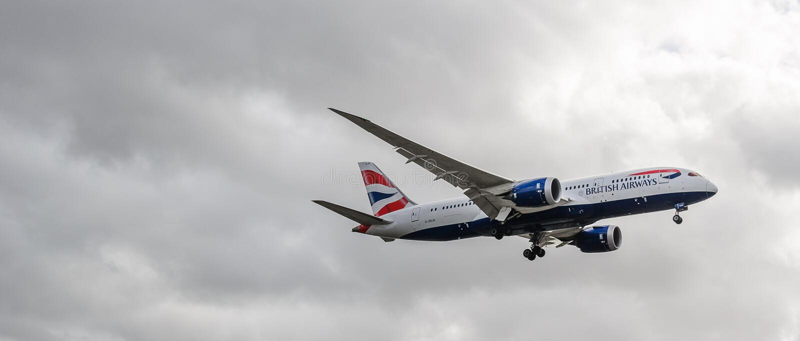 Посадка двигателя British Airways на Хитроу стоковое фото rf