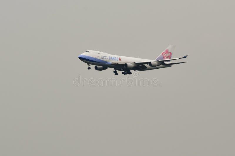 Посадка самолета в аэропорте Куалаа-Лумпур стоковое изображение
