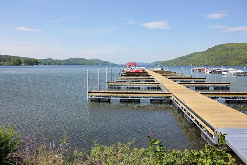 Посадка шлюпки, озеро Otsego, Cooperstown, штат Нью-Йорк, США стоковые фотографии rf