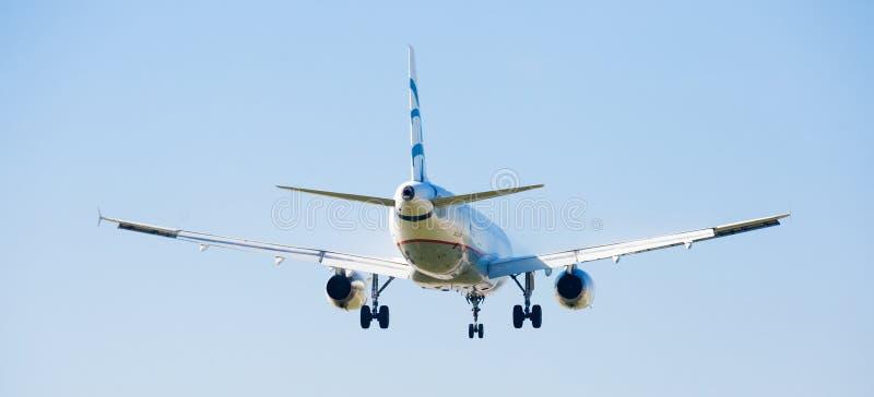 Посадка эгейских авиакомпаний плоская стоковые фотографии rf