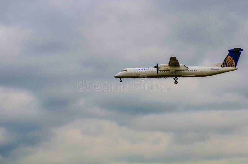 Посадка United Airlines стоковое фото rf