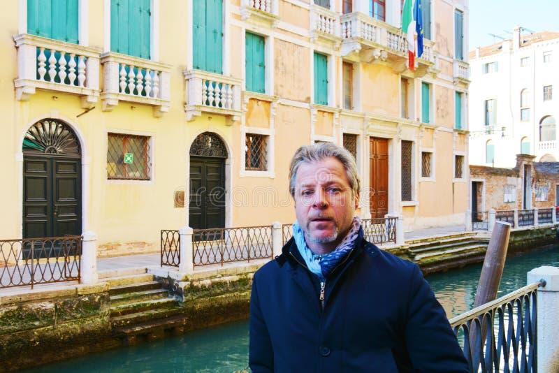 Посещая Венеция в зиме, Италия стоковые изображения rf