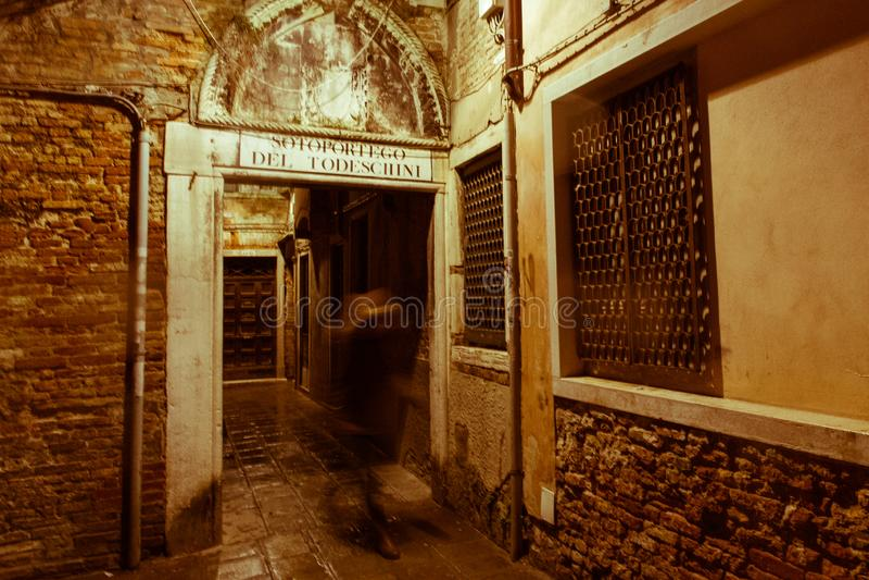 Посещение Венеции когда туристы нет там стоковое изображение