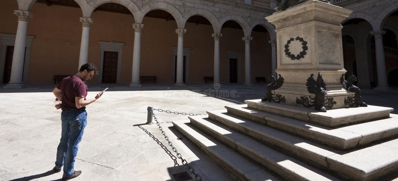 посещение взрослого дворца туристское стоковое изображение rf