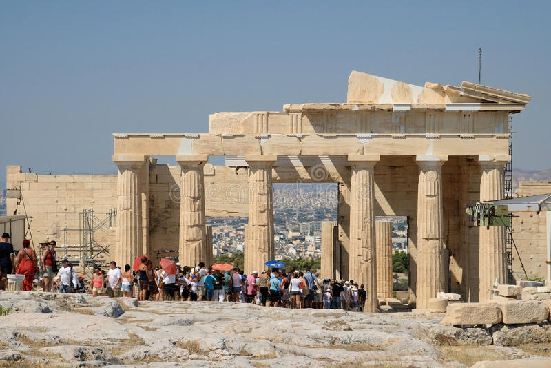 посещение туристов акрополя стоковое изображение