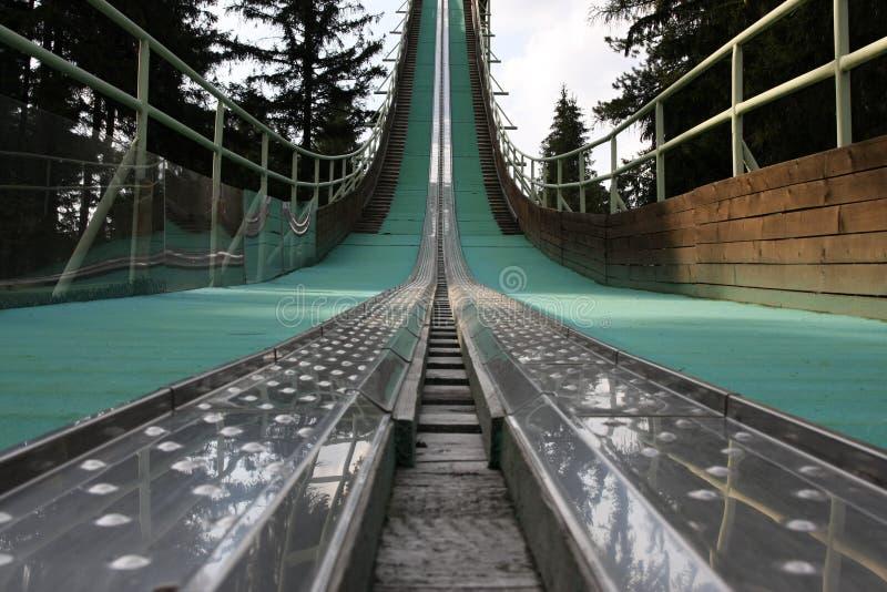 поскачите башня лыжи стоковые изображения