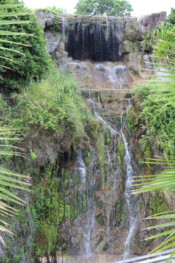 После дождя водопад будет большим и сильным стоковая фотография rf
