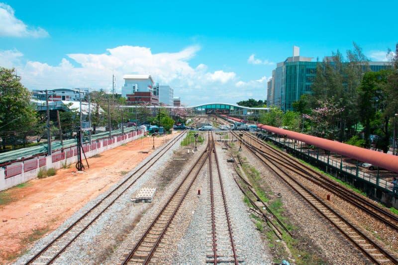 Посмотрите близко к железной дороге стоковая фотография rf