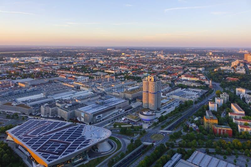 Посмотрите Мюнхен и штабы BMW стоковое изображение