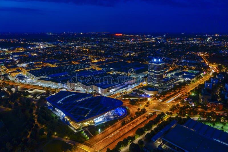 Посмотрите Мюнхен и штабы BMW стоковые изображения