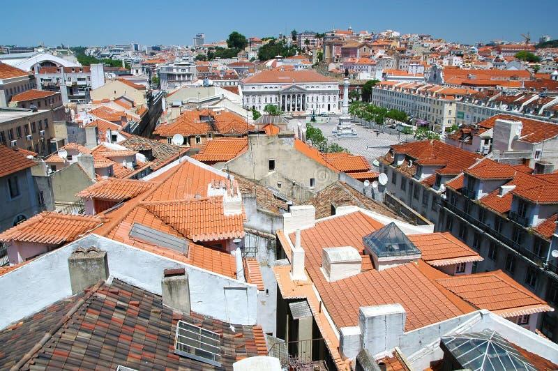 Посмотрите Castelo de Sao Джордж в направлении стоковое изображение