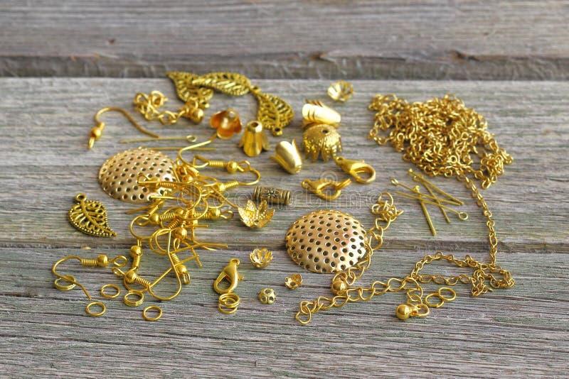 Поставки для ювелирных изделий золота Аксессуары для изготовления  стоковое изображение