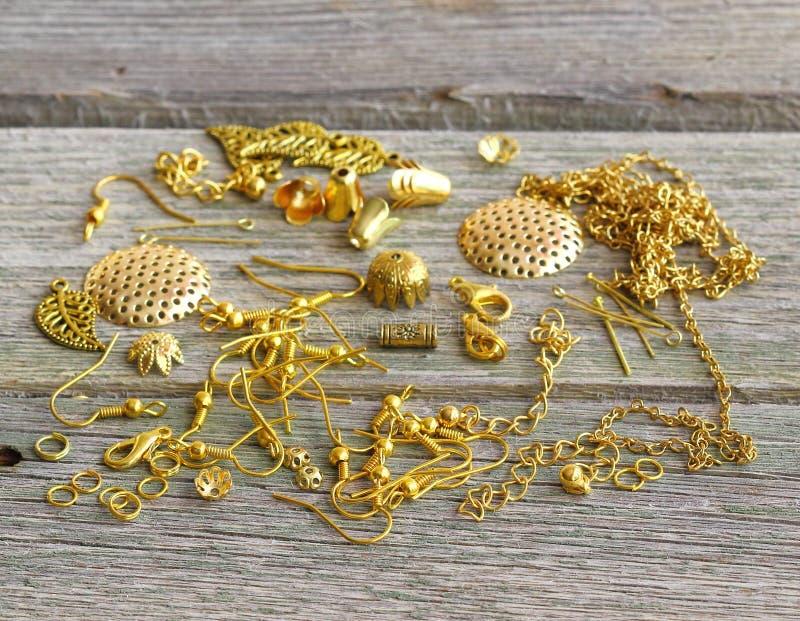 Поставки для ювелирных изделий золота стоковое фото