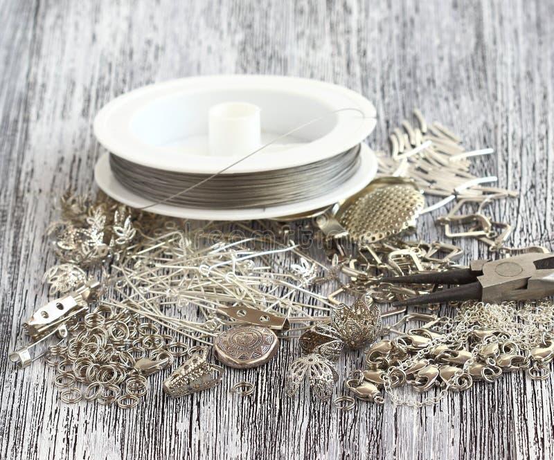 Поставки для ювелирных изделий серебра стоковое изображение