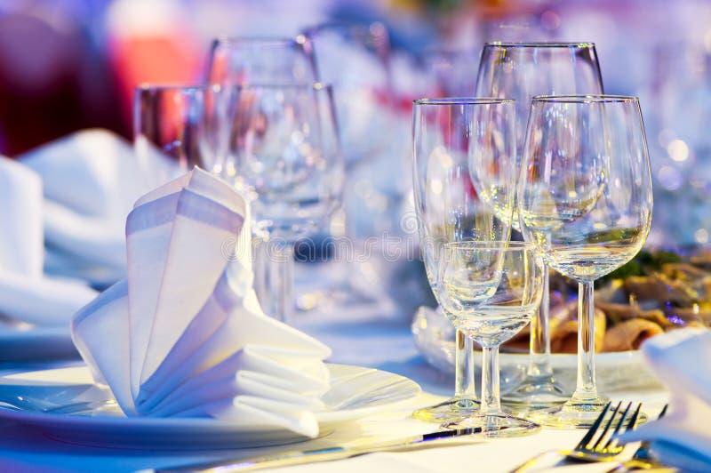 поставлять еду близко установленная таблица вверх стоковое фото rf