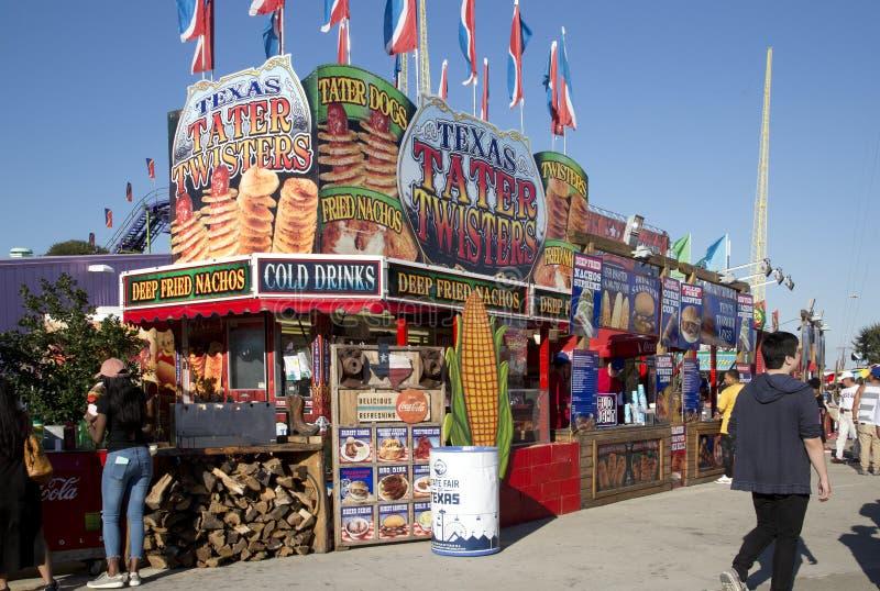 Поставщики еды на ярмарке положения Техаса Далласа стоковые фотографии rf
