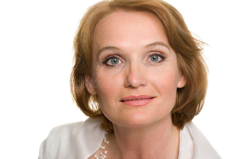 постаретая средняя женщина портрета стоковая фотография rf