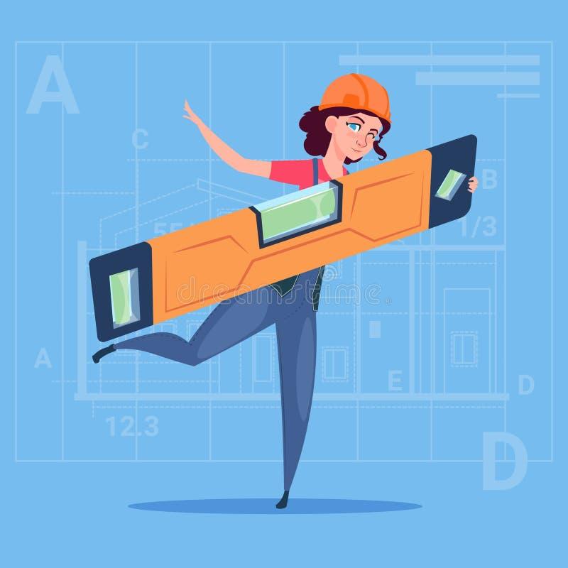 Построитель женщины шаржа держа форму плотника ровные нося и рабочий-строителя шлема над абстрактным планом иллюстрация вектора