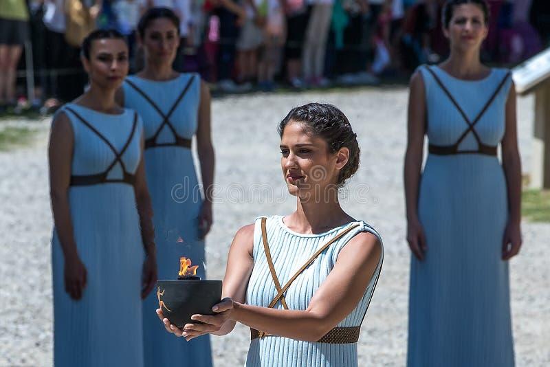 Последняя репетиция церемонии освещения пламени для стоковая фотография rf