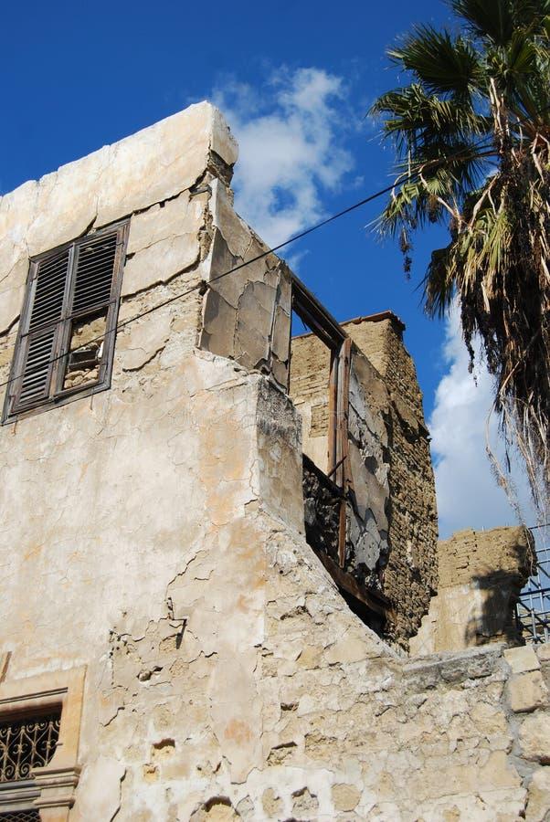 После остаток войны - старого здания стоковые фотографии rf