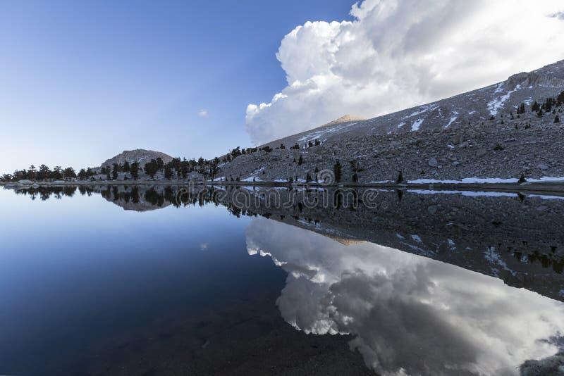 После полудня озера Cirque стоковые изображения