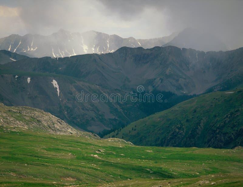 Потерянный пропуск человека, глушь Охотник-сковороды, национальный лес White River, Колорадо стоковые изображения rf