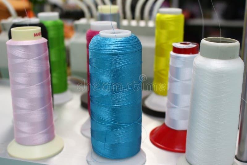 Поток вышивки на машине стоковое фото rf