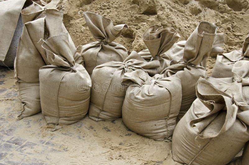 Поток, мешки с песком стоковая фотография rf