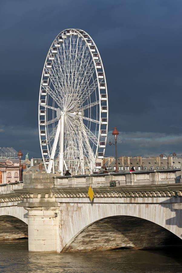 Поток Рекы Сена в Париже стоковая фотография