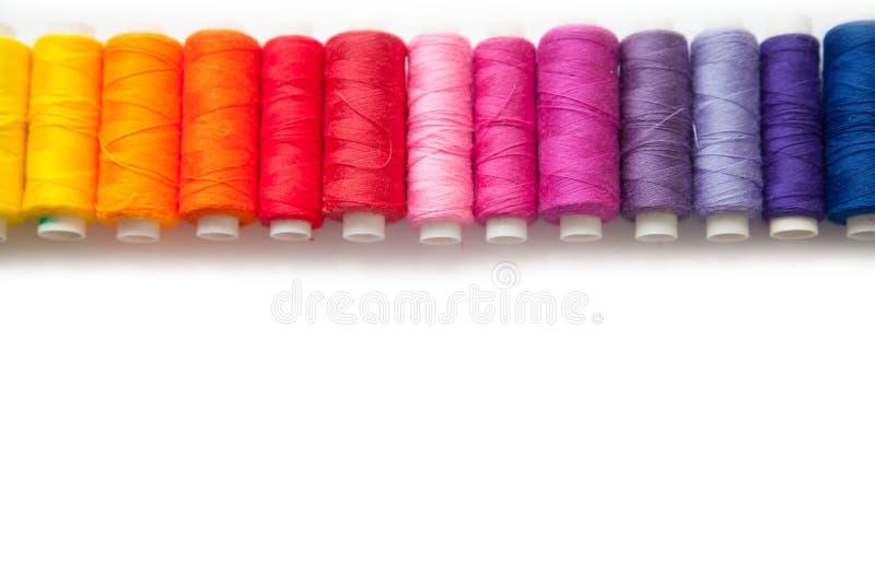 Поток цвета для шить Белая предпосылка стоковая фотография rf